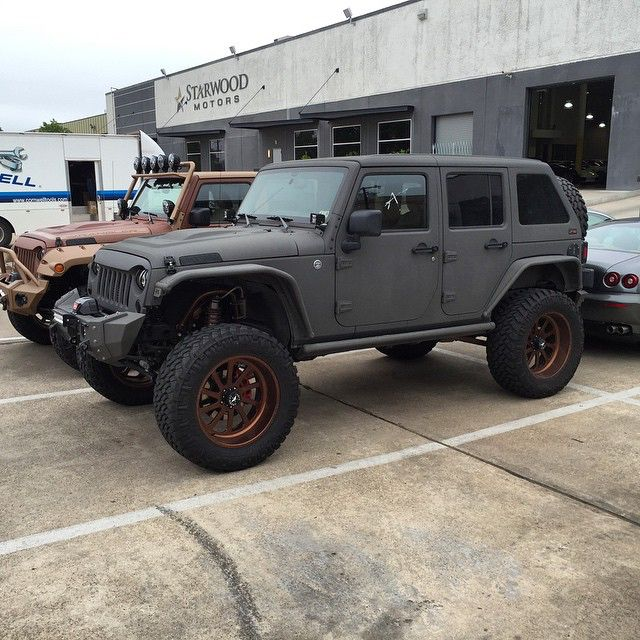 Matte Grey Starwoodmotors Jeep Wrangler Transport