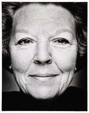 Queen of the Netherlands, Queen Beatrix, 1999 - 2000, Photo: Stephan Vanfleteren. www.rijksmuseum.nl