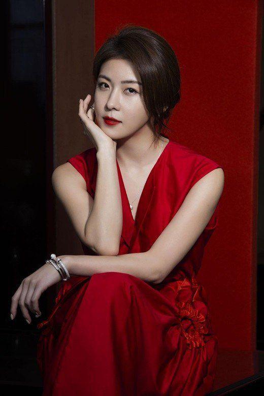 Ha Ji Won graces the cover of Hong Kong magazine 'Jessica'   allkpop.com