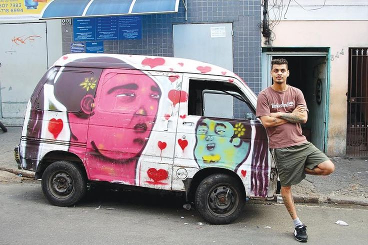 Carros abandonados recebem intervenção artística em Paraisópolis   #Carcaças #Carros #Grafite #IntervençãoArtística #paraisopolis