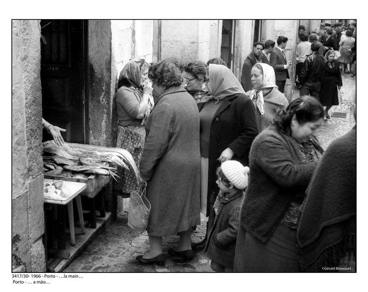 3417/30- Portugal 1966 - Porto - Marchande  de poissons ©Gerald Bloncourt
