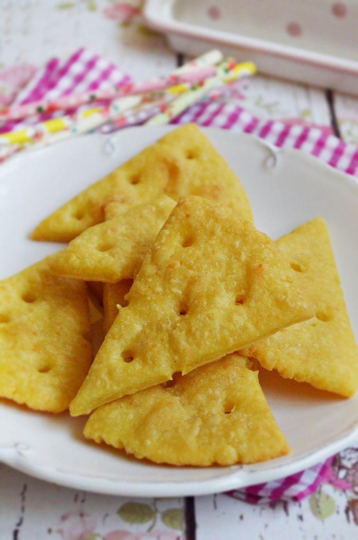 Lyukacsos sajtos kréker