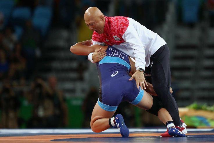 #レスリング 川井梨紗子@risako_1121 選手が、金メダルを獲得した瞬間の祝い⁉️😂  #オリンピック  #リオ2016 #リオ五輪