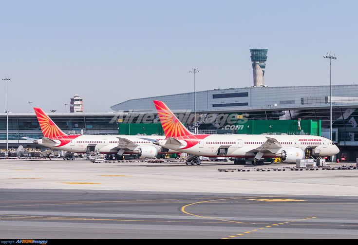 VT-AND and VT-ANL standing next to each other at the terminal.