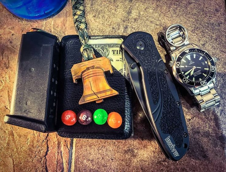 EDC1 wallet in Black Raptor looking fly with some fruity goodness!  @Regranned from @noble.metal -  Taste the rainbow. #noblemetal #thejharrisonproject #kershawblur #ballisticjewelry #406holsters #glock26 #omegaseamaster #titaniumjewelry #copper #libertybell #letfreedomring #freedomringer #phillylove #edc #everydaycarry #notelectricdaisycarnival #edcgear #edctool #mensjewelry #skittles #pretentiousbottleopener #camo #rollinheavy #pocketdump #2a #freedomfries #madeinamerica #makersmovement…