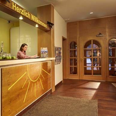 Rezeption - H+ Hotel Sonnwendhof Engelberg - Offizielle Webseite