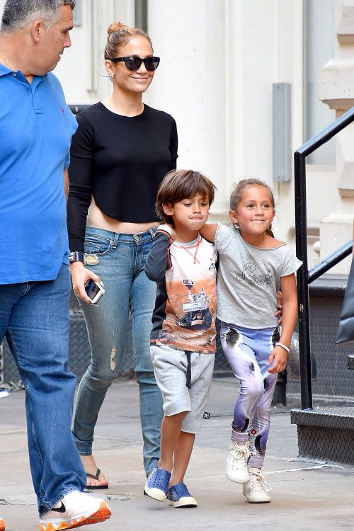 Jennifer Lopez's Casual Outing With Kids