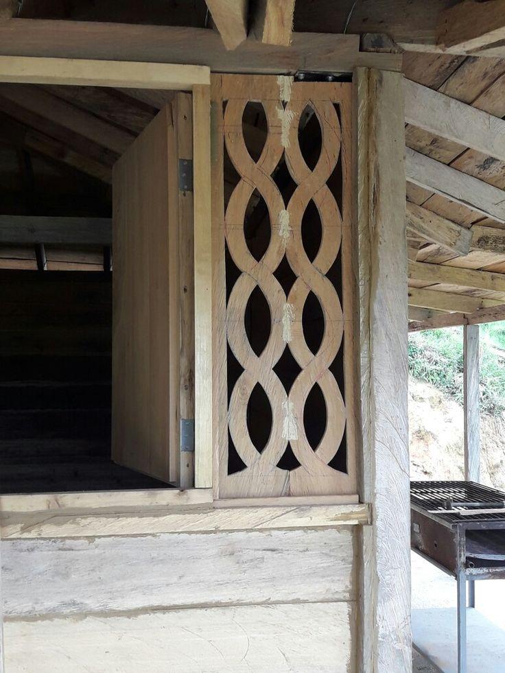 Calados en madera rustica