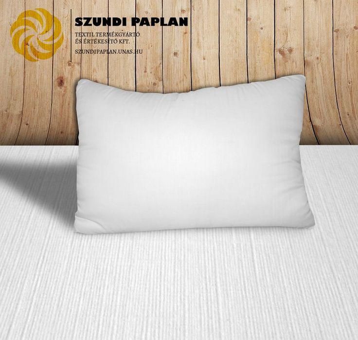 Hotel félpárna, feles párna, 48x68 cm, fehér, Félpárna vagy feles párna: Pihe-puha, rugalmas párna modern mérettel. Méret:48×68 cm, Szín: fehér Töltőanyag: 100% poliészterszál, Borítóanyag: 50% pa.-50% pe. Töltősúly:kb.600 g/db, Mosás: 40C° Karbantartás: felrázás, szellőztetés, Szükséges párnahuzat mérete: 50 × 70 cm, Minimális rendelési mennyiség: 20 db, paplan, párna és ágynemű gyártás