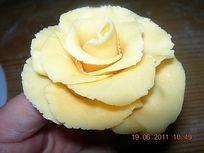 Rose gialle con pasta di zucchero,decorazioni torte, decorazioni pasta di zucchero
