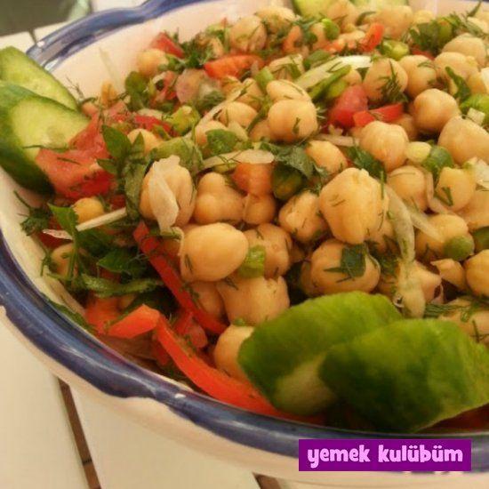 TARİF : Nohut Salatası   #nohut #salata #haşlanmış #salatalık #maydanoz #domates #limonsuyu #limon #sivribiber #kırmızıbiber #biber #salatatarifleri #salatatarifi