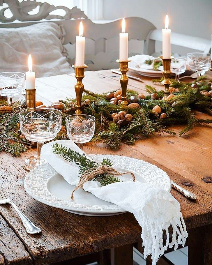 60 Excellent Christmas Table Decorating Ideas That Makes Dining