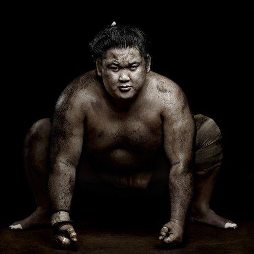 IlPost - Sports Feature, 2° premio storie - Denis Rouvre SUMO WRESTLERS Tokyo, Giappone 22 febbraio 2012 Kenji Daido, un lottatore di sumo.
