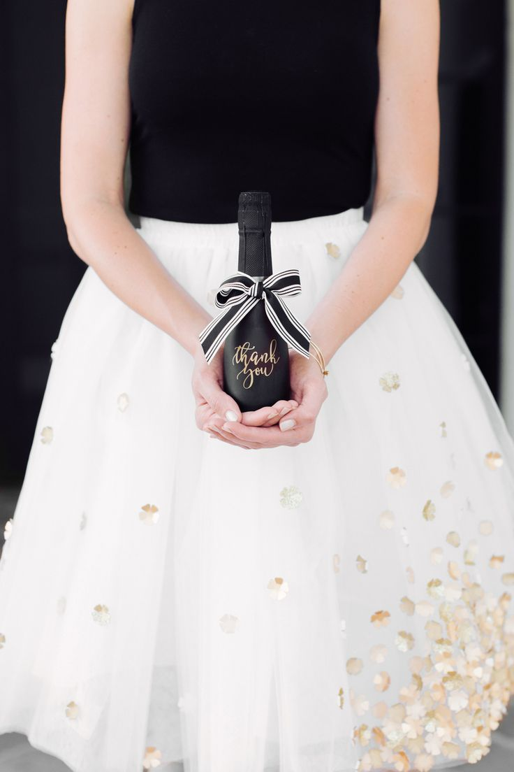 """Gold """"Thank You"""" Champagne Wedding Favors 
