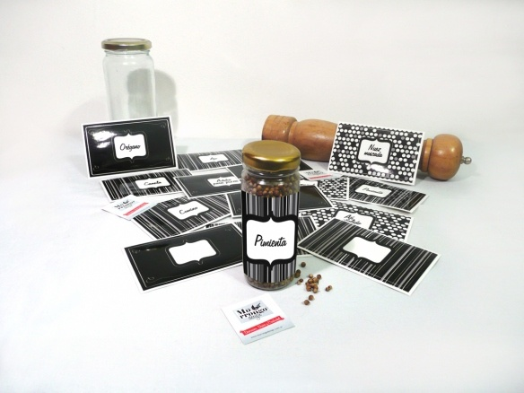 "Stickers para Condimentos | ""Pack x 14 unidades""    Consultar precio (para Arg. y para Méx.)    ® MORRONGO DESIGN 2010. All rights reserved"