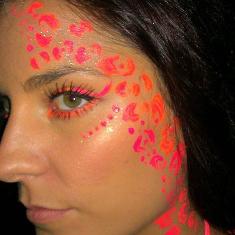 sugar skull glow face paint | Face Painting by Cynnamon | Facebook