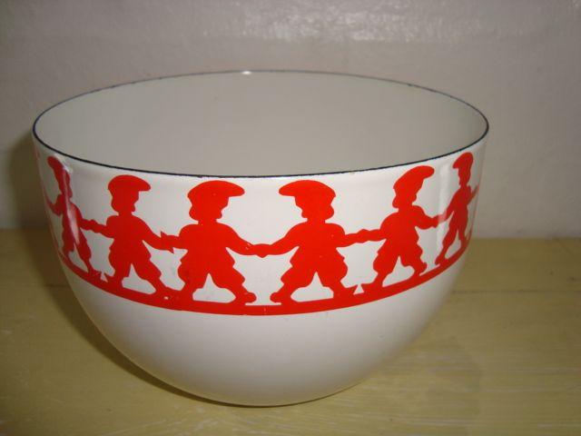 ARABIA/FINEL bowl - KAJ FRANCK 1960s. Aluminium/enamel. Emalje skål. #Arabia #Finel #Franck #bowl #1960s #enamel #emalje #skaal. From www.TRENDYenser.com. SOLGT.