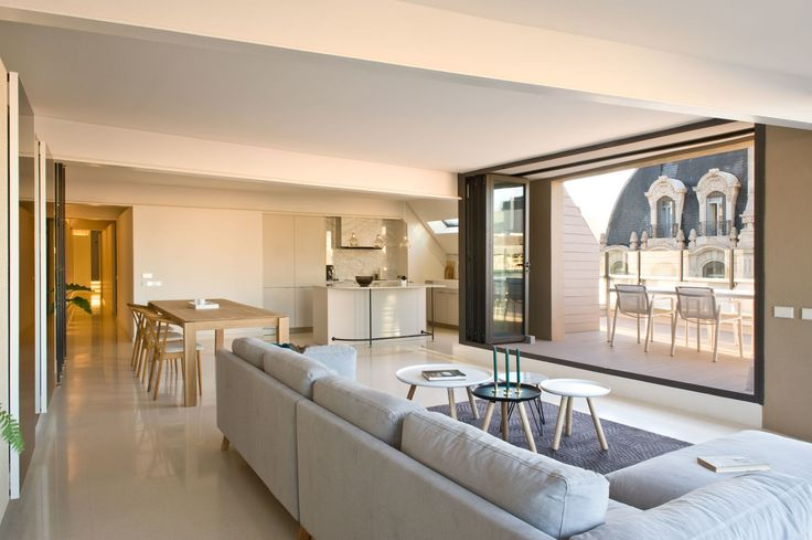 Roberto Ruiz, CaSA Colombo and Serboli Architecture · Paseo de Gràcia Penthouse · Divisare