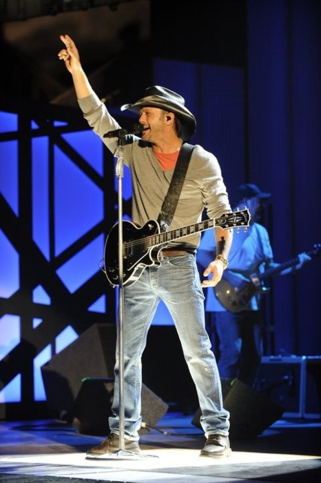 tim mcgraw.  Don't really like country music but he's so sexy!