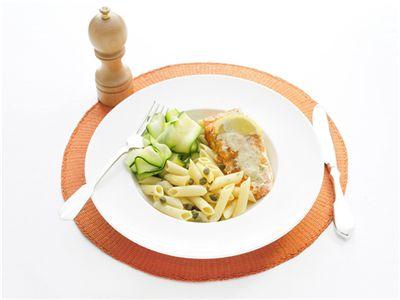 MAGGI > Recept > Zalm uit de oven met pasta en courgette linten