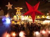 Weihnachtsmarkt am Schloss Charlottenburg Das Schloss Charlottenburg bietet die perfekte Kulisse für den romantischen Weihnachtmarkt