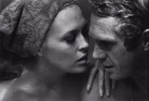 Bill Ray  Faye Dunaway and Steve McQueen at the set of 'The Thomas Crown Affair', directed by Norman Jewison, 1967