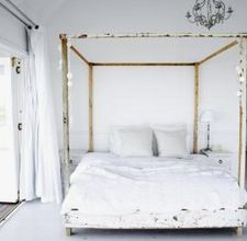 I FINALLY FOUND THIS!!!!!! I've been looking for how to build this for so long...Can't wait to make it happen (only I want to paint mine flat black, pottery barn style)! How to Build a Four Poster Bed Frame