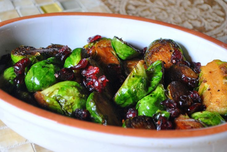 Sautéed Brussels Sprouts with Dried Cranberries (Couves de Bruxelas com Cranberries Secas) - The Green Dish