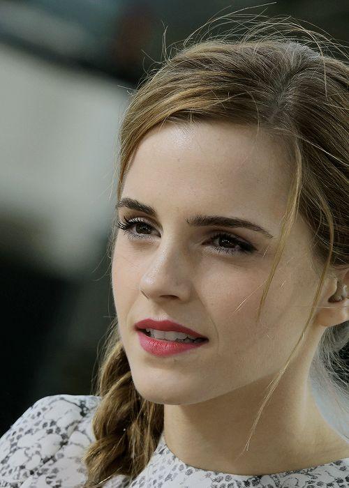 ~~~ Lovely Emma Watson ~~~ ~~ ~~ Vision of Beauty ~~ ~~