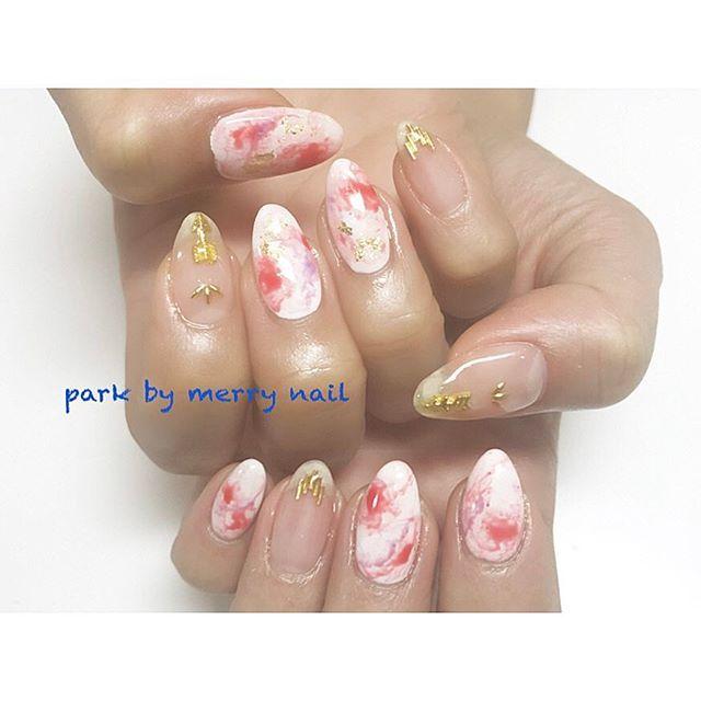 . ハッピーバースデー♡ななさんネイル♡ クリアベース×赤の大理石風ネイル♡ .  #nail #nails #nailist #nailslon #nailart #gelnail #tokyo #shibuya #fashion #渋谷ネイル#渋谷ネイルサロン #follow #followme #instagood #instanail #ネイル #ネイリスト #セルフネイル #ネイルアート #ネイルデザイン #冬ネイル #네일 #가을네일 #大理石ネイル#ニュアンスネイル#クリアネイル#春ネイル#垢ネイル