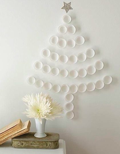 DIY Christmas tree (cupcake holders or plastic cups)
