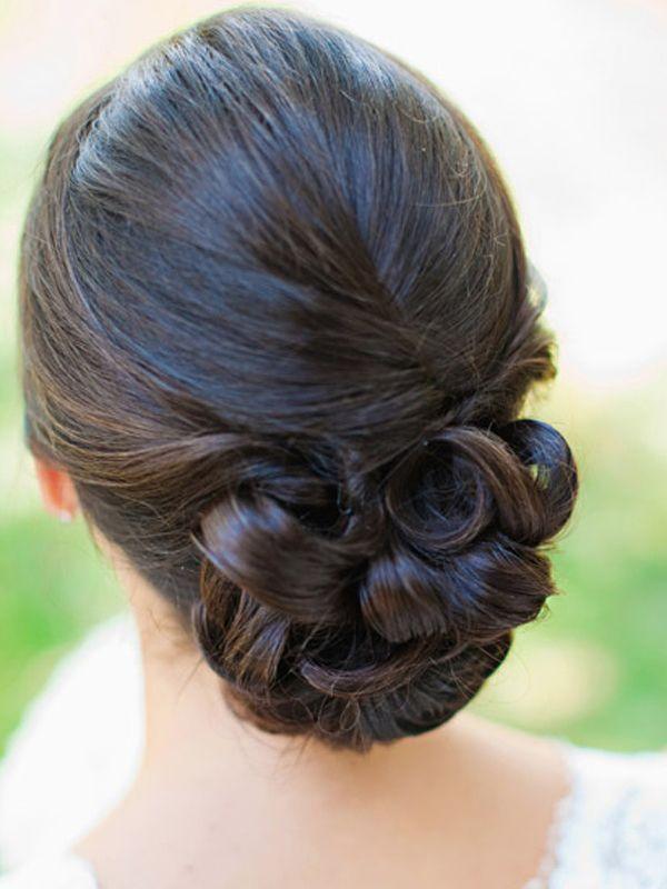 Diferentes tipos de coques baixos para noivas. #casamento #penteado #noiva…