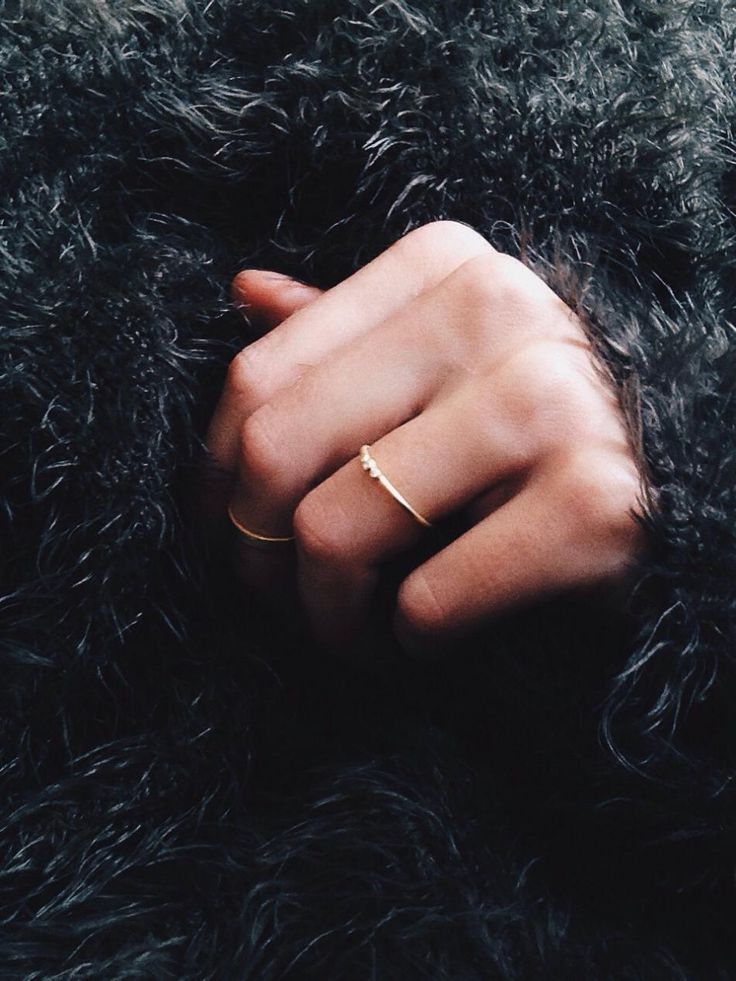 Fluffy feelings while waiting for the sun #hvisk #jewelry #gold #ring #rings #fluffy