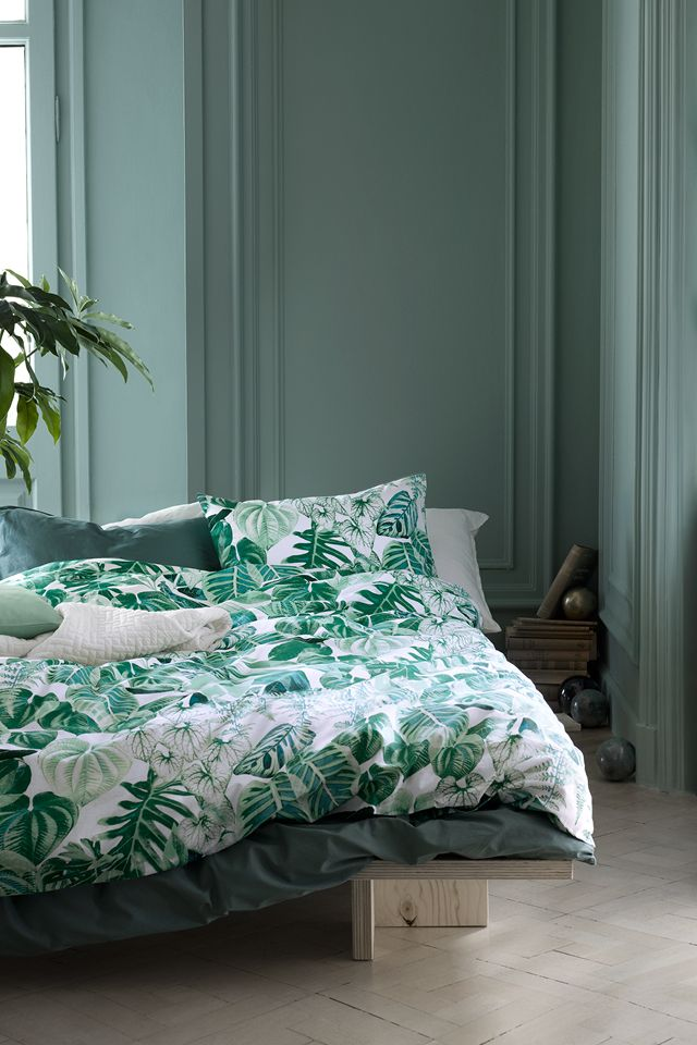 Soft new sheets, pillowcases and duvet covers in crisp colours are an easy way to refresh your bedroom. | H&M Home