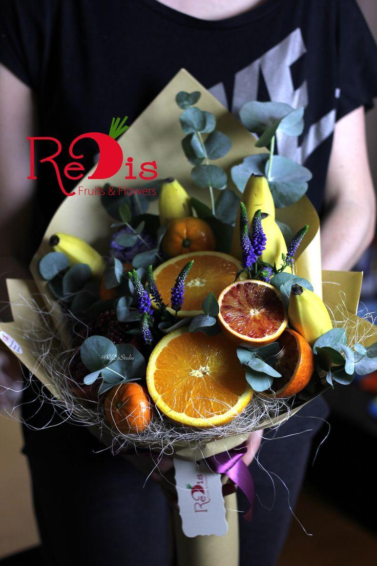 Овощные и Фруктовые букеты в Одессе!🍒 Создадим действительно красивые и незабываемые подарки для ваших близких людей! Это грамотное вложение в подарок, вы произведете впечатление на всех, c нашими фруктовыми авторскими букетами! • Наши букеты – вкусняшки, делайте заказы у нас!🍓🍏 •ReDis приготовит для вас вкуснючие и класнючие букеты! 😋🍎🌺 • Для заказов ☎️ +38(067)9304943