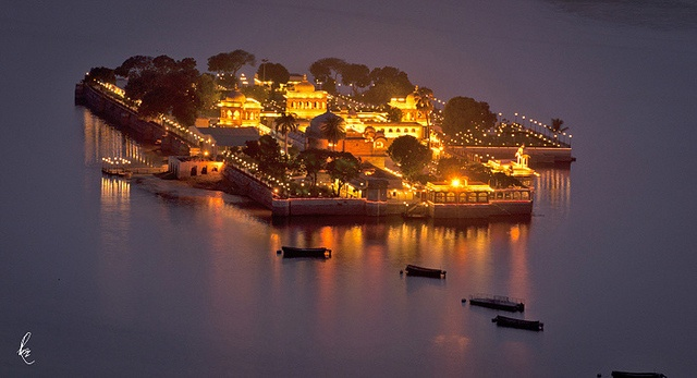 Jag Mandir, Udaipur, can be seen in the James Bond film Octopussy