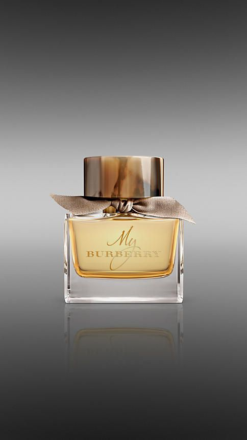 The scent is a contemporary British grand floral. Top notes of sweet pea and bergamot fuse with a geranium leaf, golden quince and freesia heart, rounded out with a base of patchouli and rain-tipped damask and centifolia roses. The bottle reflects iconic details of the trench coat: a bold horn-finish cap echoes its distinctive buttons and the hand-tied bow is English-woven gabardine, honouring the fabric invented by Thomas Burberry over 100 years ago. Complementary monogram included. $125