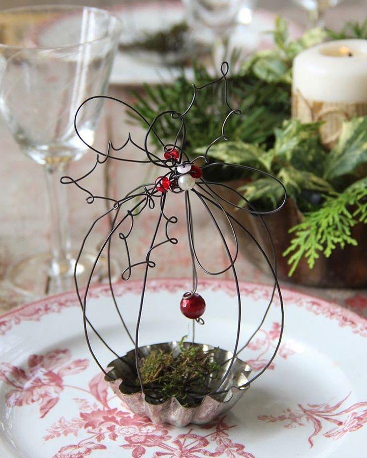 """""""Mi piace"""": 307, commenti: 24 - Daniela Corti•Wire & Textile (@filidipoesia) su Instagram: """"Il Natale e le mie piccole poesie in fil di ferro mi trovate sulla rivista ' La casa in ordine' de…"""""""