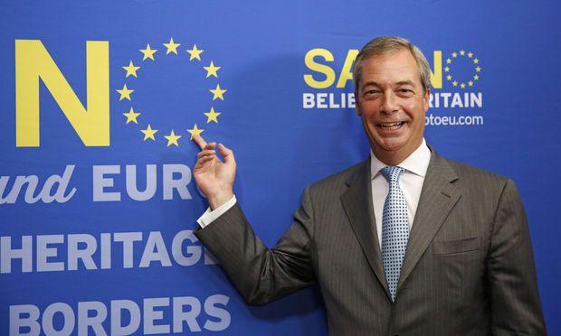 De Britse euroscepticus Nigel Farage neemt ontslag als leider van de Britse partij Ukip. Dat heeft hij aangekondigd tijdens een toespraak in Londen.