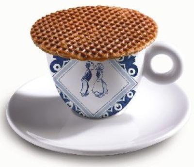 stroopwafel over tea...total deliciousness !!!