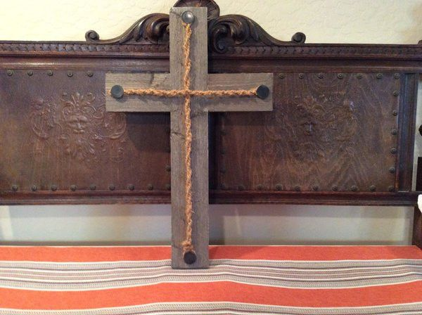 Barnwood Carriage Bolt Cross