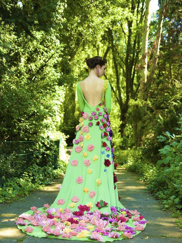 Abendkleider - Unikate & Extravagante Kleider - ein Designerstück von Berlinerfashion bei DaWanda