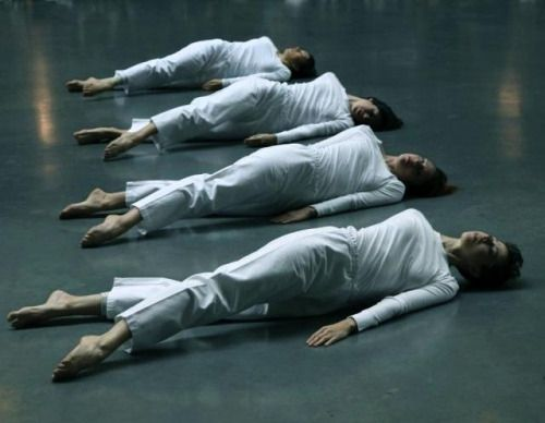 complexae:  Trisha Brown: Group Primary Accumulation (1970), Trisha Brown Dance Company, Tate Modern Copyright:© John Mallinson