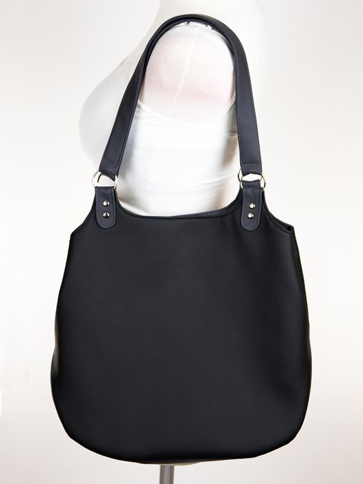 Faux leather, custom made shopper bag, black shoulder bag / Czarna torebka na ramię wykonana z eko-skóry
