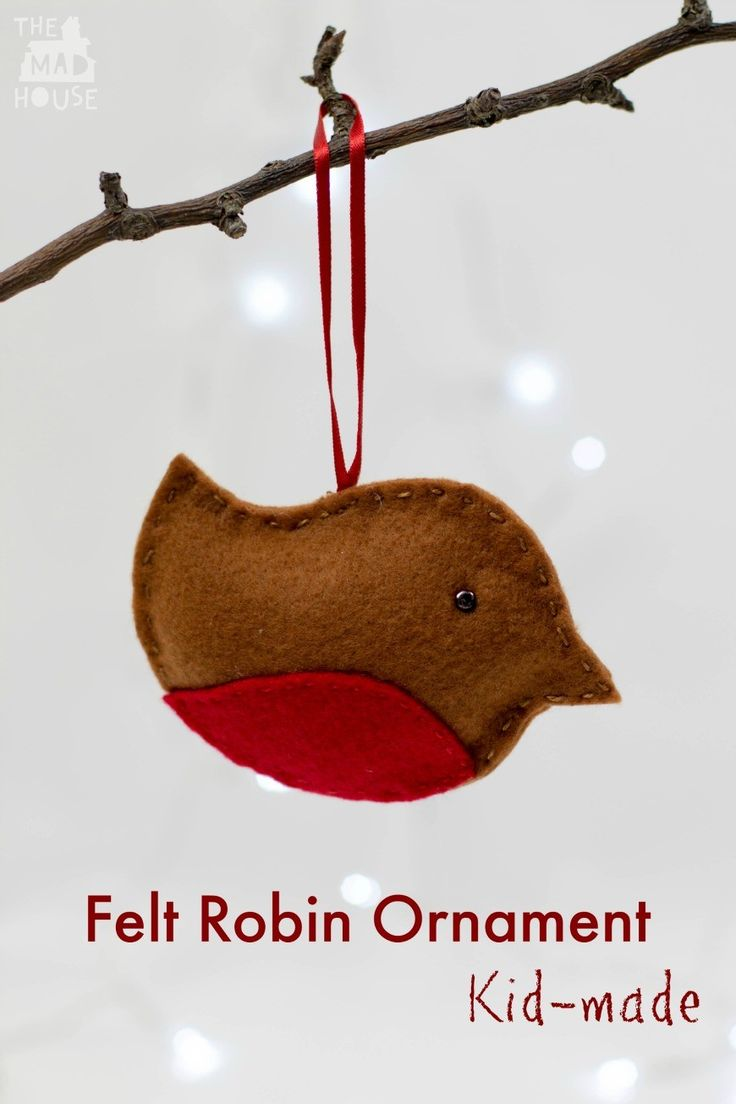 Felt Robin Christmas Ornament.  This simple to make felt Robin is perfect for crafting with kids and for the holiday season.  You don;t even have to sew him.  10 Days of a Kid-Made Christmas, felt robin ornament inspired by Little Robin's Christmas by Jan Fearnley