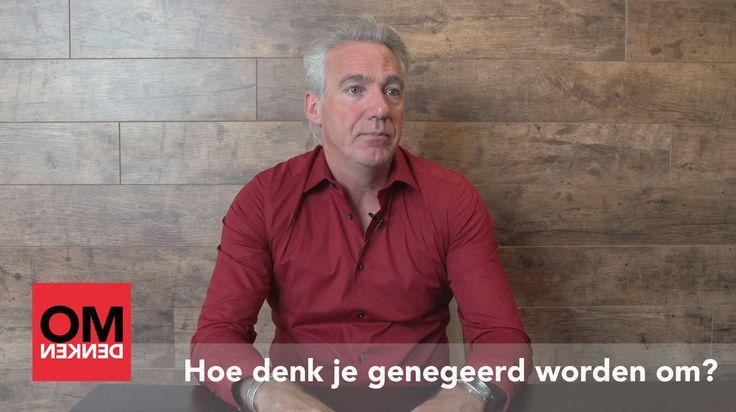 In deze video geeft Berthold Gunster antwoord op de vraag: ik word genegeerd, hoe denk ik dat om? Berthold raad je aan om de strategie van het respecteren toe te passen. Neem de wens van de ander helemaal serieus.
