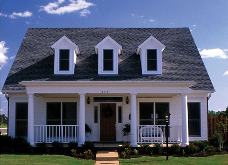 Graybrooke Country Home Inviting Country Style Home from houseplansandmore.com