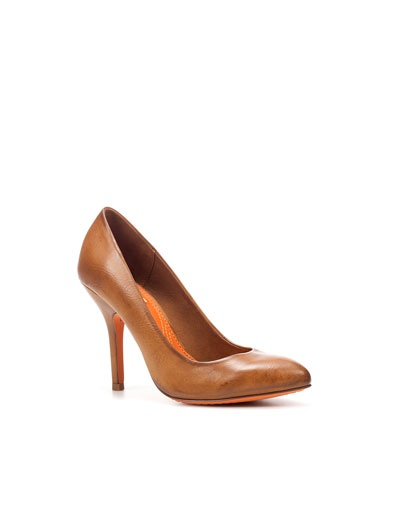 love some cheap, cute heels! zara brown court shoe $29.99
