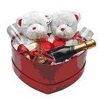 Cesta romântica com produtos de altíssima qualidade sua paixão vai amar esta cesta com duas taças um vinho dois ursos de pelúcia e quatro corações de chocolate