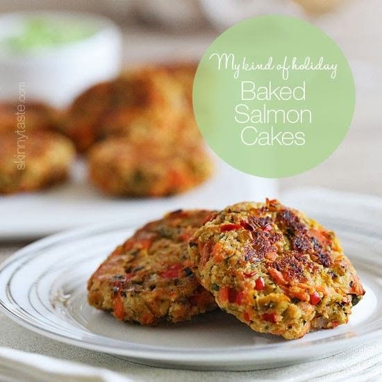 Baked salmon cakes make the perfect Holiday appetizer, made with wild Alaskan salmon, diced peppers, capers and breadcrumbs. For dipping, I made my favorite Zesty avocado cilantro dressing which compliments the flavor of the salmon and makes these absolutely addicting!   Target has partnered with the Target Inner Circle crew to put together a Holiday Party 101 blog series. As a team we are sharing everything you need to plan the perfect holiday party from cocktails, music, decorating tips…